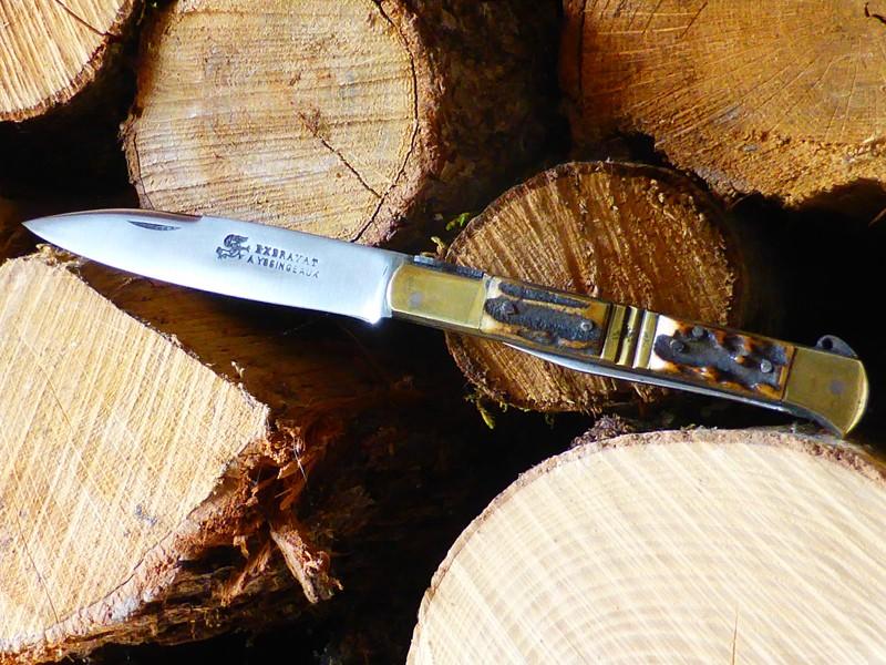 Le couteau Issoire - Page 2 P1020812