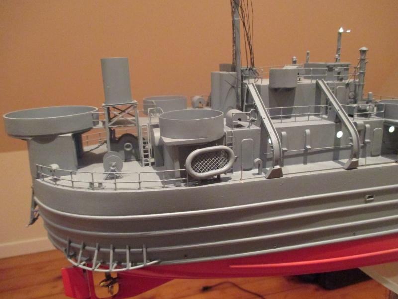 lannding ship tank au 1/100 éme navigant Img_0319