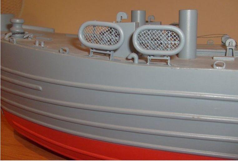 lannding ship tank au 1/100 éme navigant Lst_av10