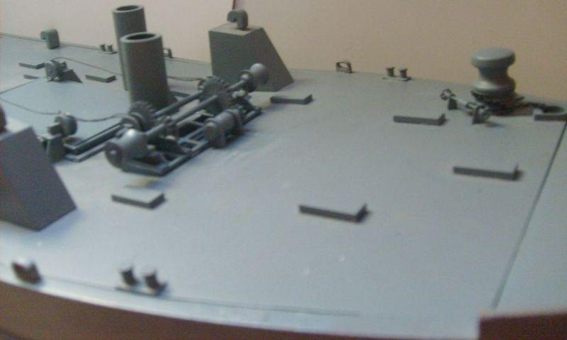 lannding ship tank au 1/100 éme navigant Pont_d13