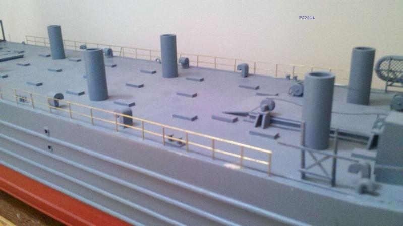 lannding ship tank au 1/100 éme navigant Pont_l12