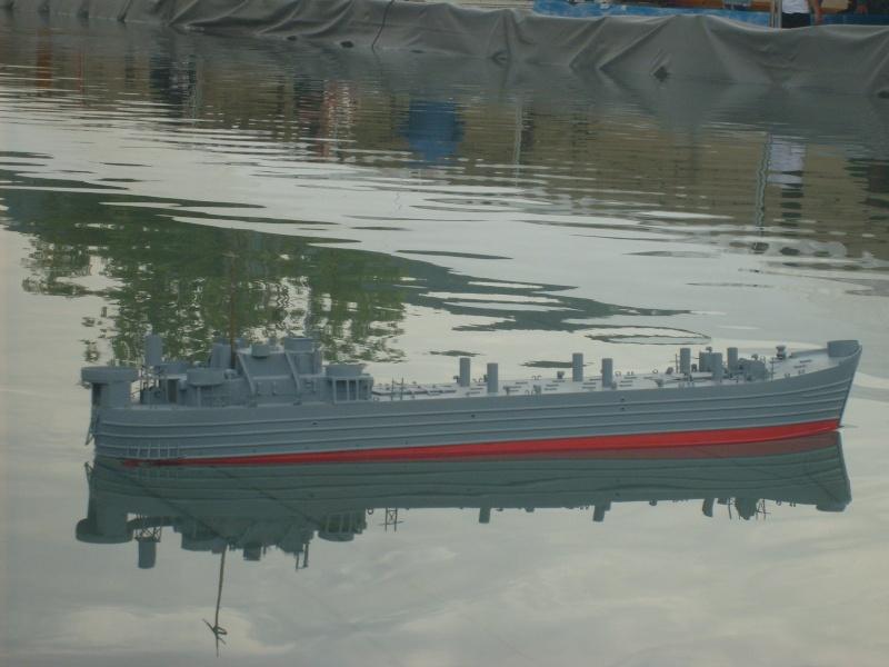 lannding ship tank au 1/100 éme navigant S6305010