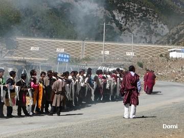 La Chine sac au dos (35) Aux confins du Tibet (西藏): Sichuan (四川) Rencontre festive avec un jeune Lama (喇嘛)    Lama_110