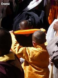 La Chine sac au dos (35) Aux confins du Tibet (西藏): Sichuan (四川) Rencontre festive avec un jeune Lama (喇嘛)    Lama_111