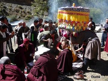 La Chine sac au dos (35) Aux confins du Tibet (西藏): Sichuan (四川) Rencontre festive avec un jeune Lama (喇嘛)    Lama_112