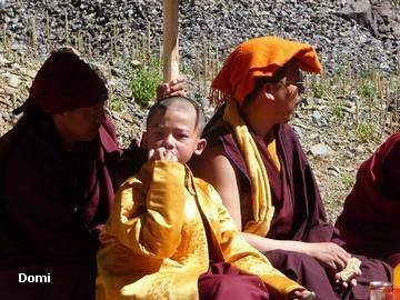 La Chine sac au dos (35) Aux confins du Tibet (西藏): Sichuan (四川) Rencontre festive avec un jeune Lama (喇嘛)    Lama_115