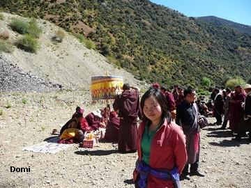 La Chine sac au dos (35) Aux confins du Tibet (西藏): Sichuan (四川) Rencontre festive avec un jeune Lama (喇嘛)    Lama_117