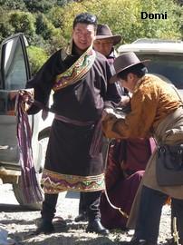 La Chine sac au dos (35) Aux confins du Tibet (西藏): Sichuan (四川) Rencontre festive avec un jeune Lama (喇嘛)    Lama_118