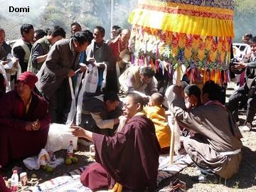 La Chine sac au dos (35) Aux confins du Tibet (西藏): Sichuan (四川) Rencontre festive avec un jeune Lama (喇嘛)    Lama_910