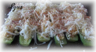 Zucchinis farcis aux oeufs et fromage Zucchi11