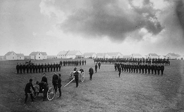 La Police montée ou Gendarmerie royale du Canada North-10