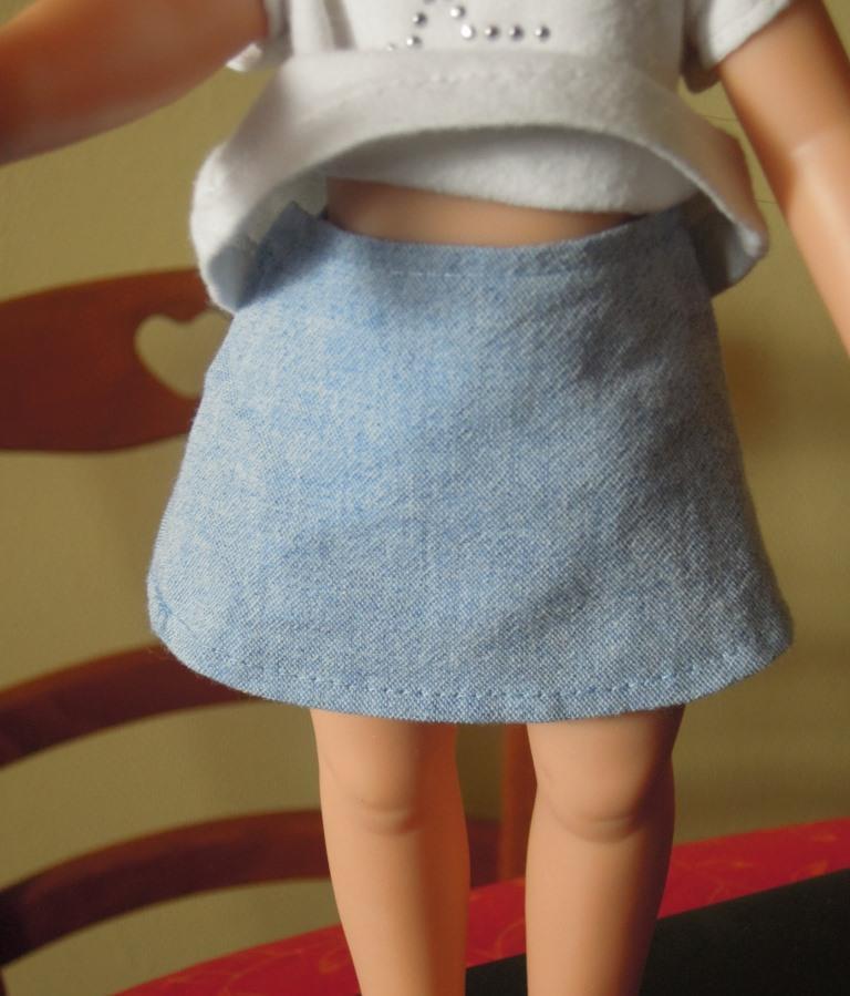 [MAC] Machine à coudre pour enfant : utile ou ramasse poussière ? - Page 2 Jupe_c10