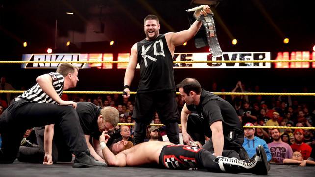 [Divers] Les 25 meilleurs matchs de 2015 par WWE.com 17_nxt10