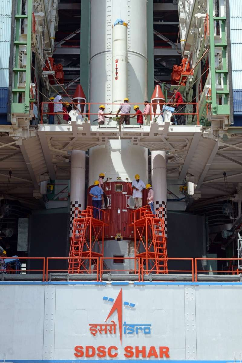 Lancement PSLV(CA) C29 - TeLEOS-1 + KR 1 + VELOX C1 + VELOX 2 + Galassia  - 16 Décembre 2015   Integr11