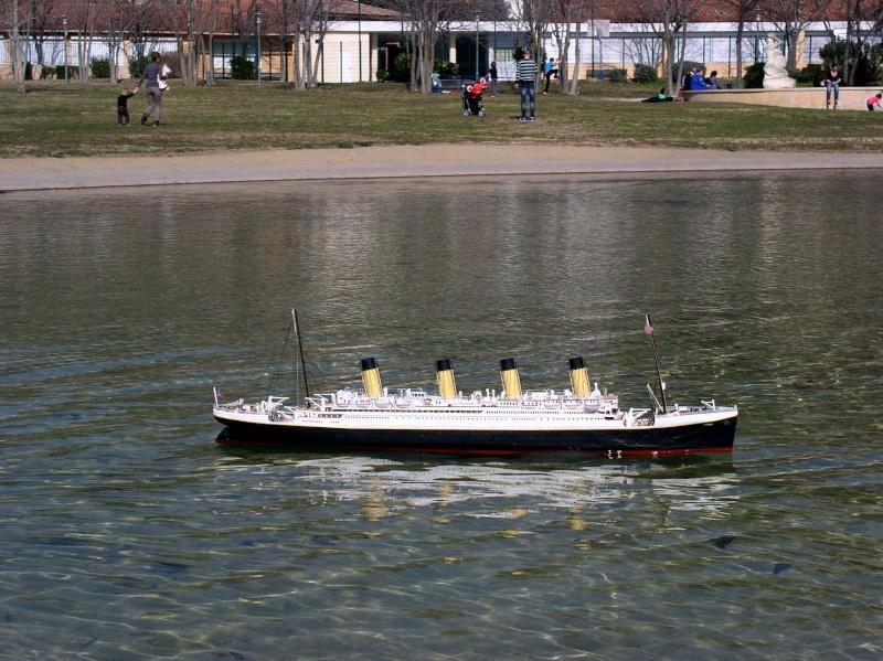 Allez je me lance, Titanic 1/200 les debuts P1010012