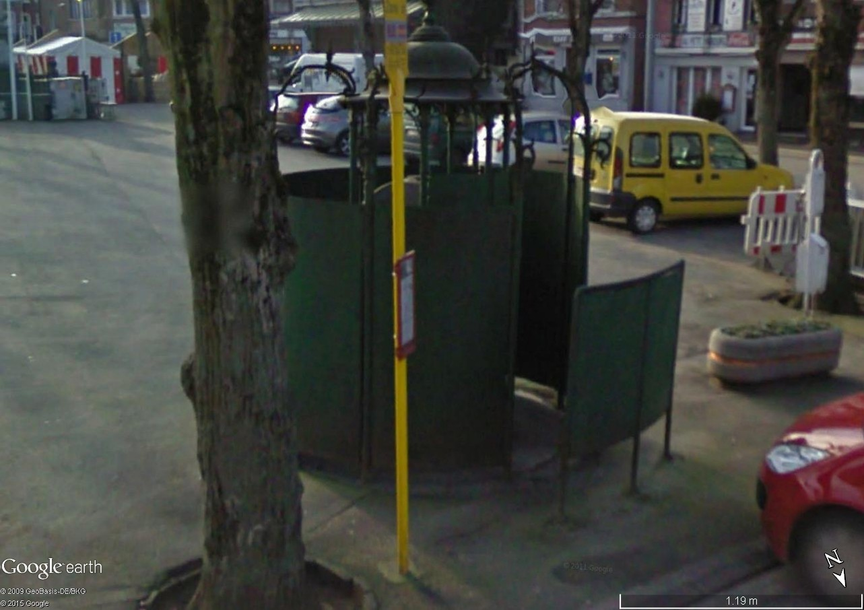 STREET VIEW : la dernière vespasienne de Bruxelles Vespas11