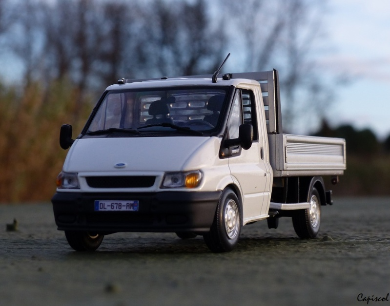 FORD P1020054