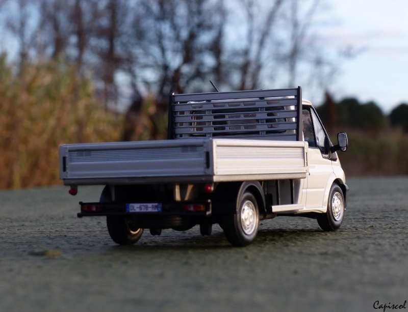 FORD P1020056