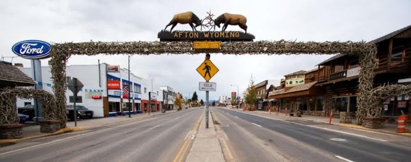 Le plus grand arc en bois de Wapiti au monde, Afton, Wyoming - États-Unis 10368110