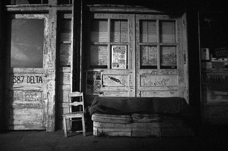 Le blues authentique dans les juke-joints du delta du Mississippi aux États-Unis 17298610