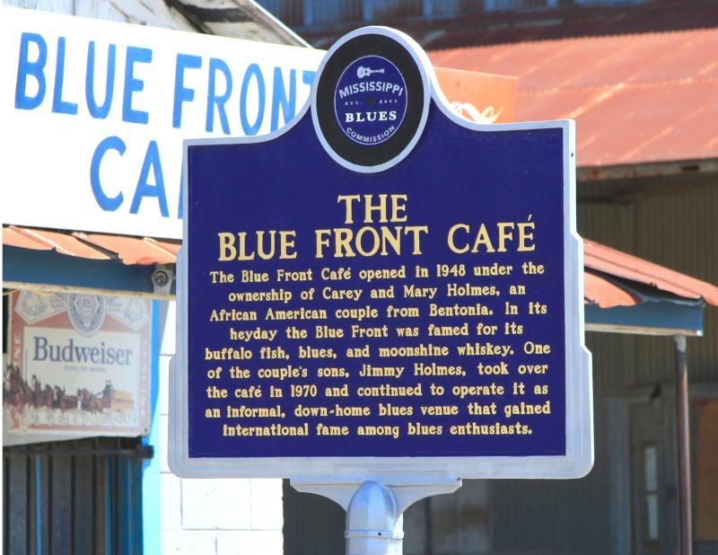 Le blues authentique dans les juke-joints du delta du Mississippi aux États-Unis 55525211