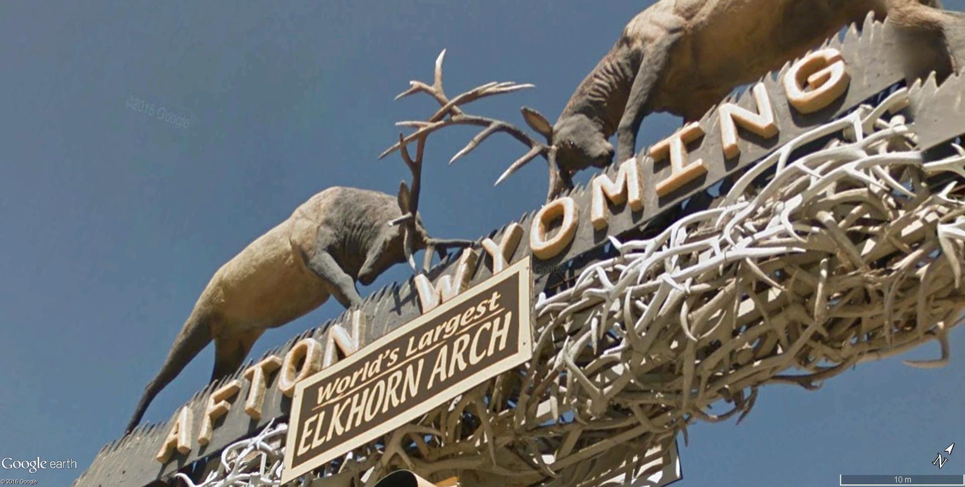 Le plus grand arc en bois de Wapiti au monde, Afton, Wyoming - États-Unis Elkhor12