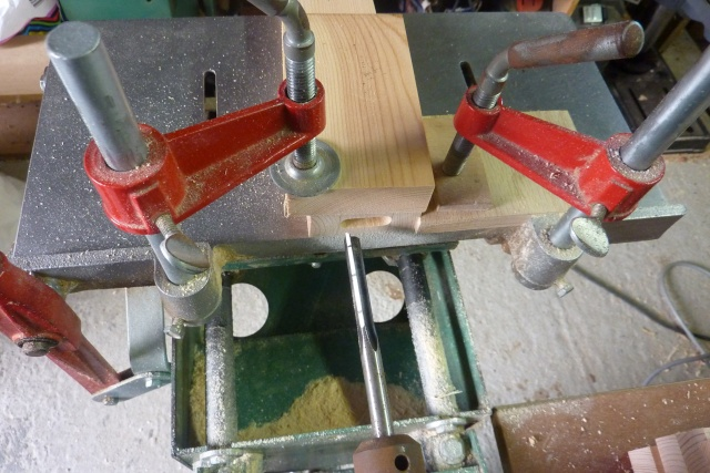 Table basse en bois de récup' Mortai10