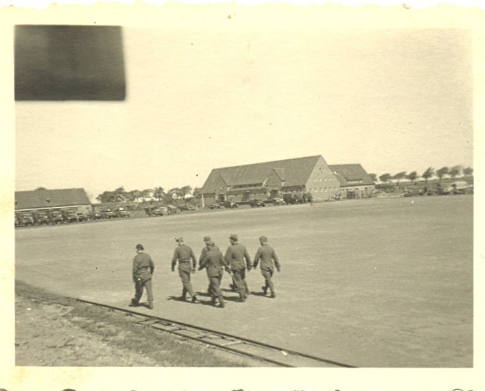 Leicester Barracks - Page 2 0310