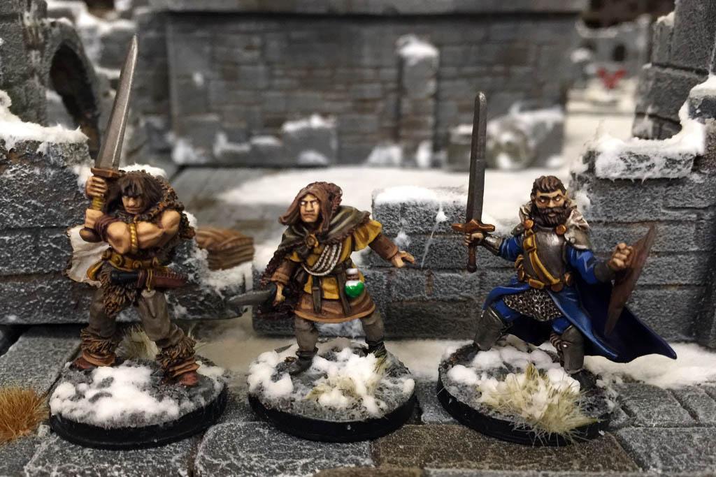 Des figurines qui n'ont pas peur du froid... Img_2414