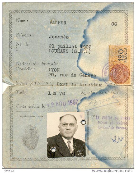 Cartes d'identité 12227010