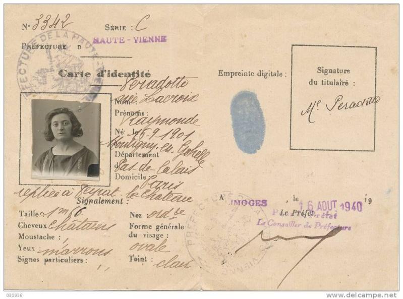 Cartes d'identité 12418910