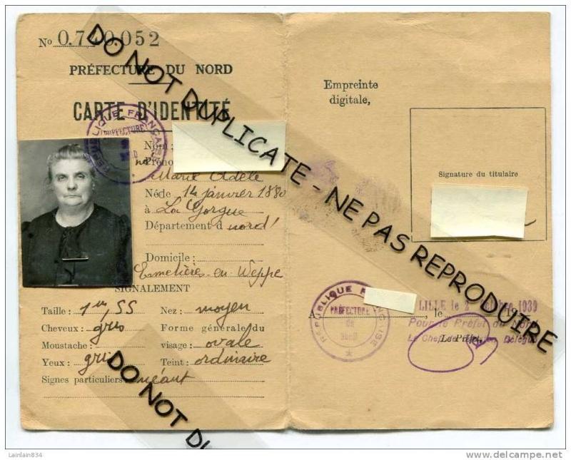 Cartes d'identité 12469311