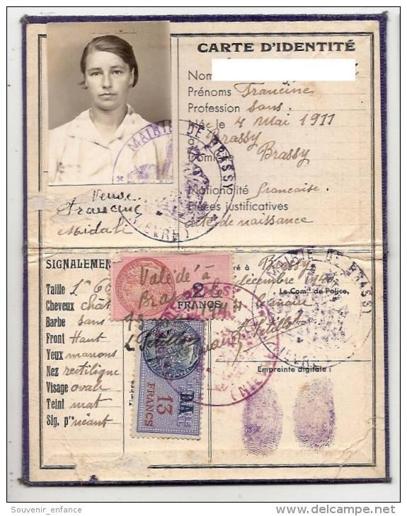 Cartes d'identité 1384_110