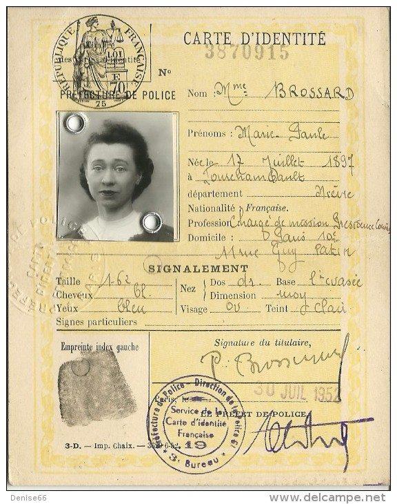 Cartes d'identité 14262010