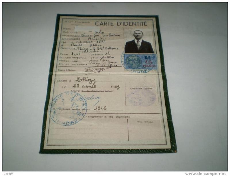 Cartes d'identité 14549110