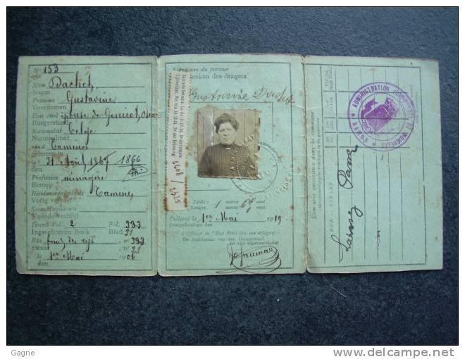 Cartes d'identité 15176010