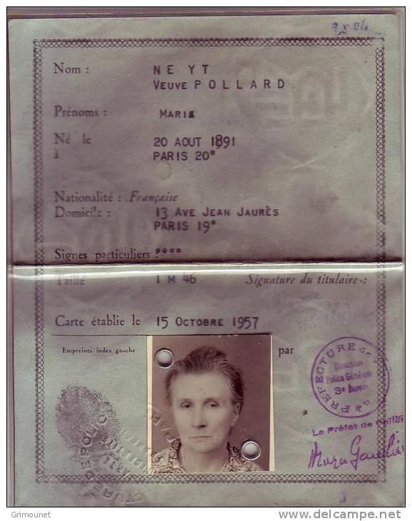 Cartes d'identité 19144811