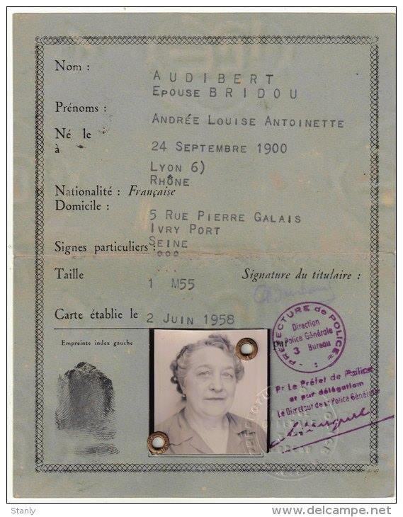Cartes d'identité 19151610