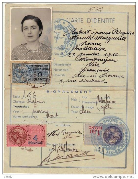 Cartes d'identité 19157910