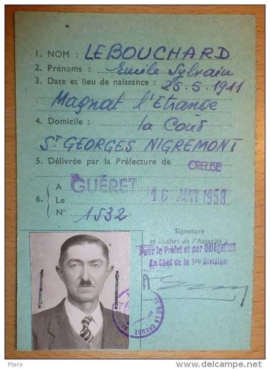 Cartes d'identité 19192211