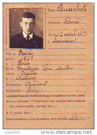 Cartes d'identité 19307811