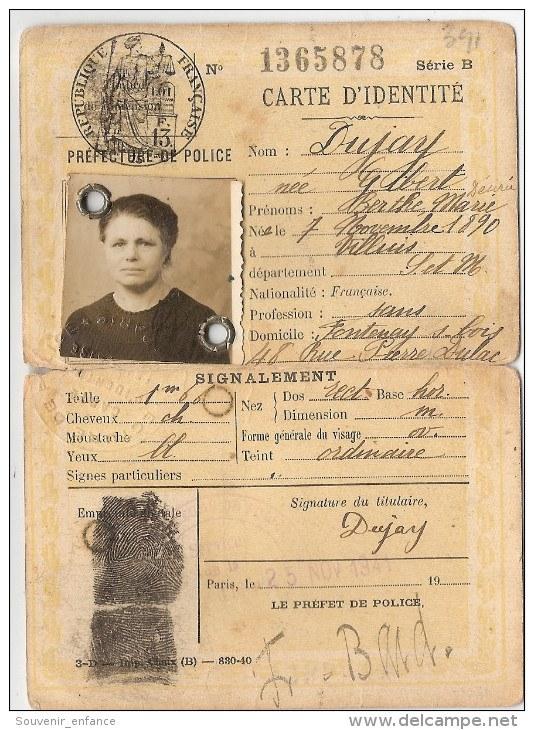 Cartes d'identité 19313510