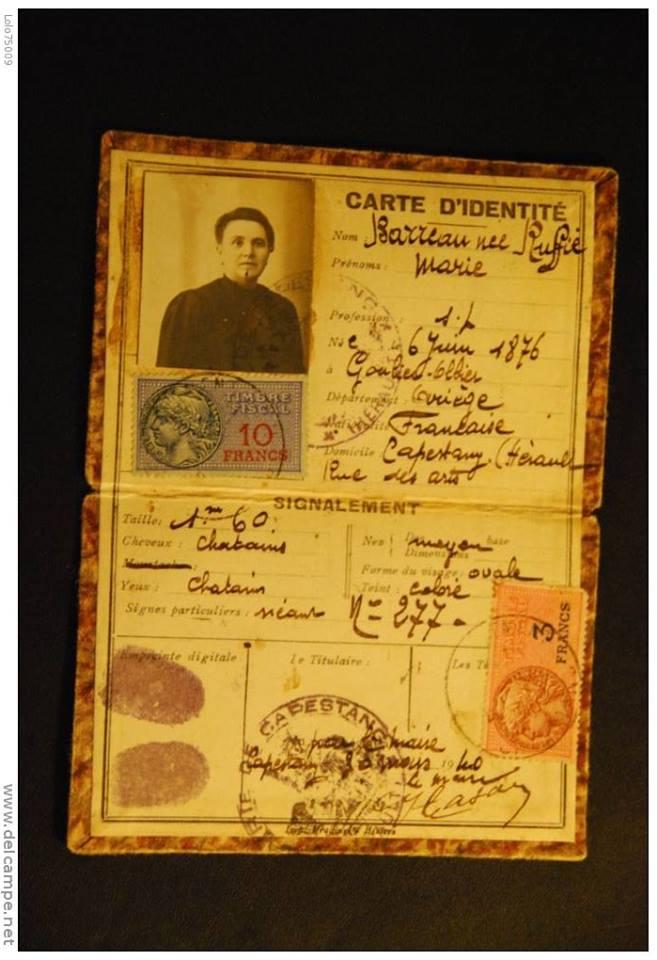 Cartes d'identité 19355310