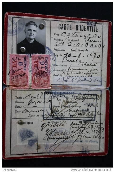 Cartes d'identité 19366310