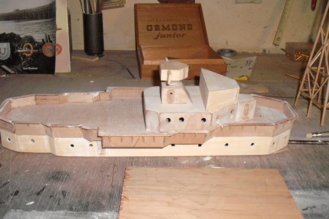 début de chantier pour mon escorteur surcouf Dscf7010