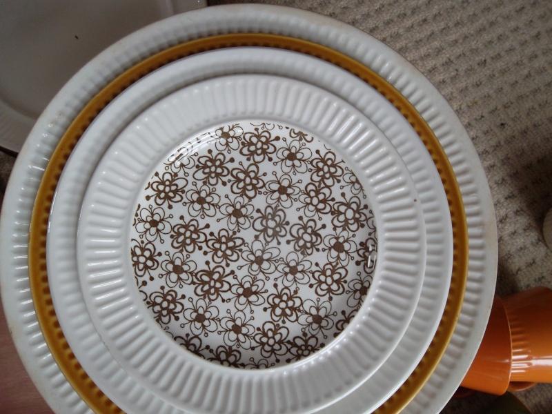 Apollo Crown Lynn Tableware Sam_5010