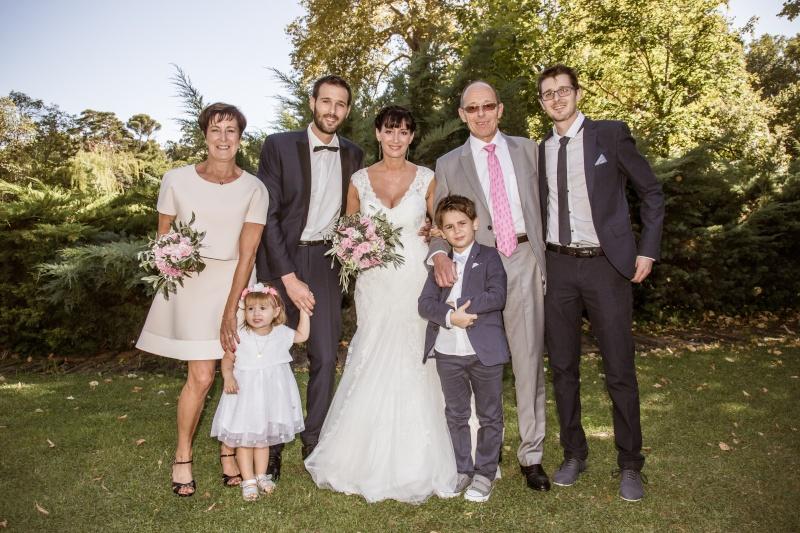 détourage de mariés et leurs 2 enfants  Cc032912