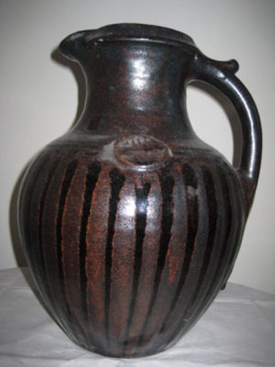 Large jug with prunts - Peter Snagge, Tichborne Pottery nr. Alresford Image146