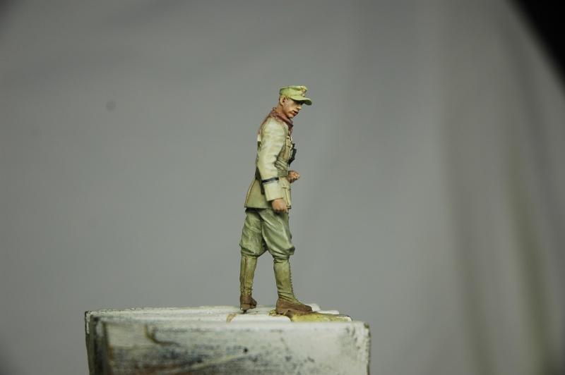 Officier DAK Alpine 1/35 - Page 2 Offici13