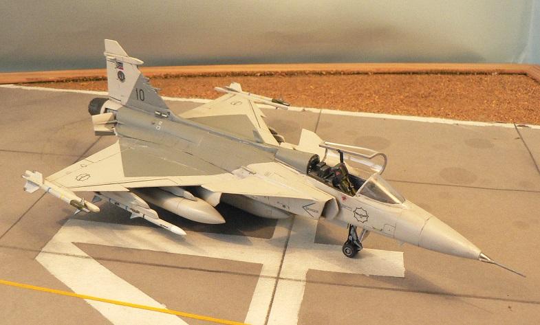 [Revell] Saab JAS 39 c Gripen 7-111